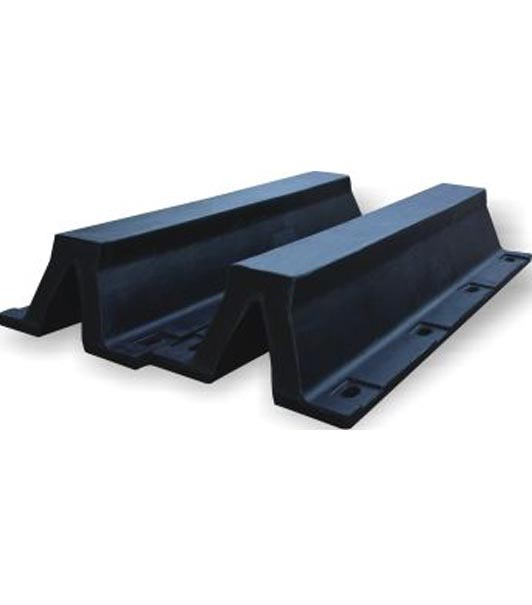 Arch type rubber fender